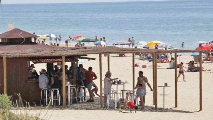"""La mayoría de chiringuitos no abrirá el 25 de mayo al considerarlo """"inviable"""" económicamente"""