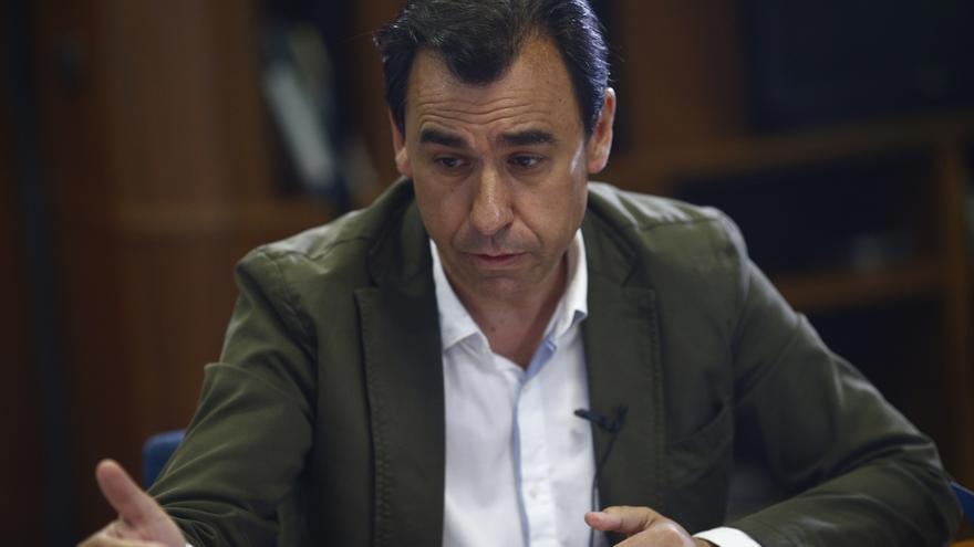 Rajoy citará a Sánchez una vez que vea si el PSOE tiene disponibilidad a hablar, de gran coalición o de pacto de mínimos