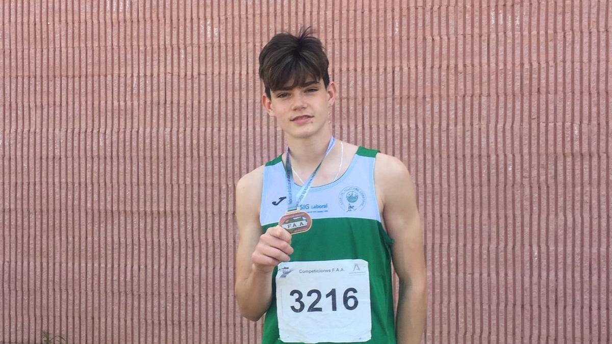 Samuel Molero, oro sub 16 en longitud.
