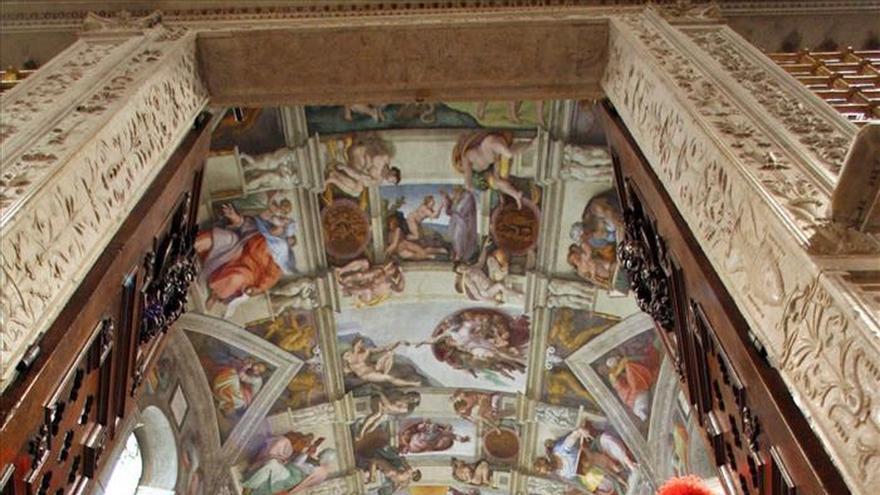 """Decenas de sintechos llegaron """"emocionados"""" a los Museos Vaticanos"""