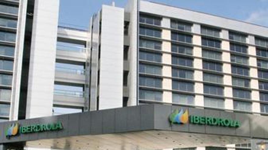 Los abogados de Iberdrola creen inoportuno levantar blindajes mientras que los de ACS lo ven de buen gobierno