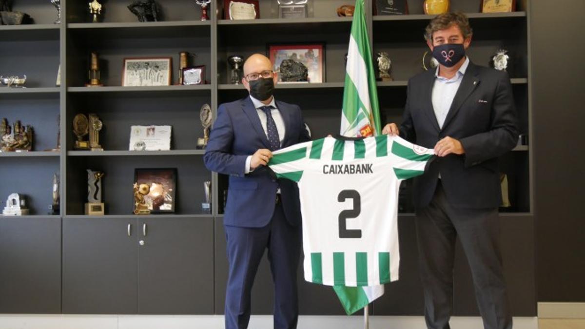 Firma del acuerdo entre el Córdoba y CaixaBanbk