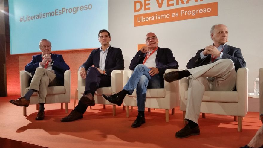 Rivera cree que Podemos deberá decidir entre hacer presidente de la Generalitat a Junqueras o a Arrimadas