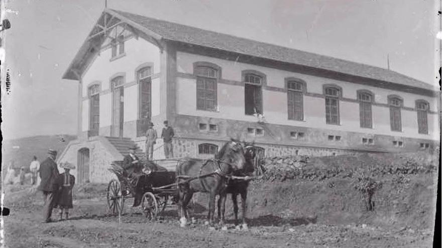 Imagen histórica de la primera instalación del Hospital Psiquiátrico, en Santa Cruz
