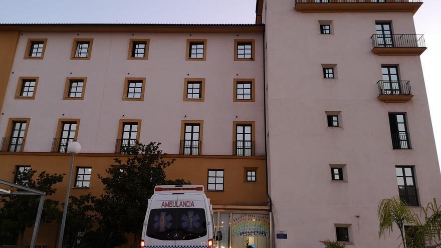 El 85% de los fallecidos de residencias de mayores de Andalucía no pasó por el hospital