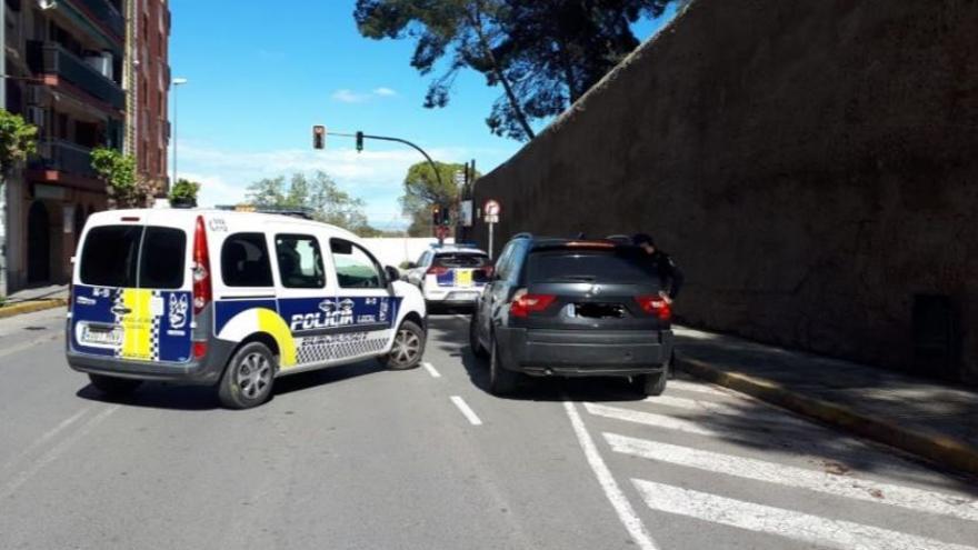 Un control de la Policía Local de Burjassot.