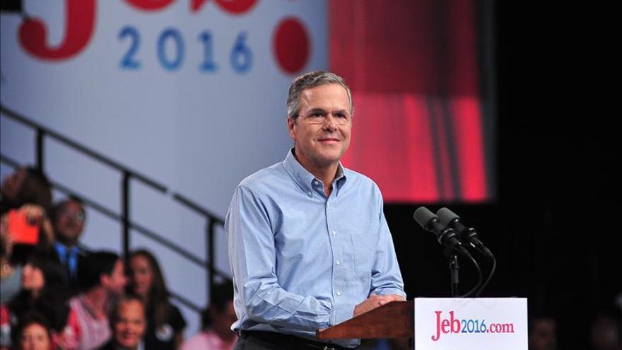 Jeb Bush defiende la reforma migratoria integral en EE.UU. y critica a Trump