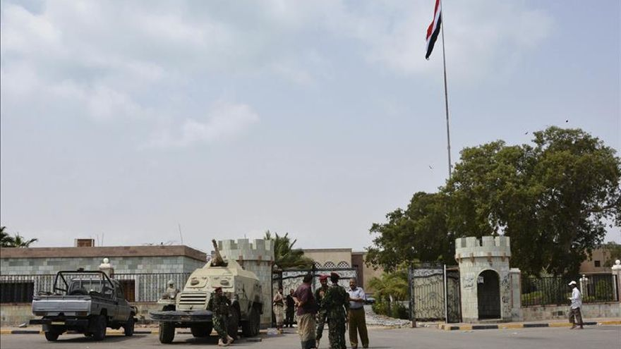 Los hutíes rechazan trasladar el diálogo político fuera de la capital yemení