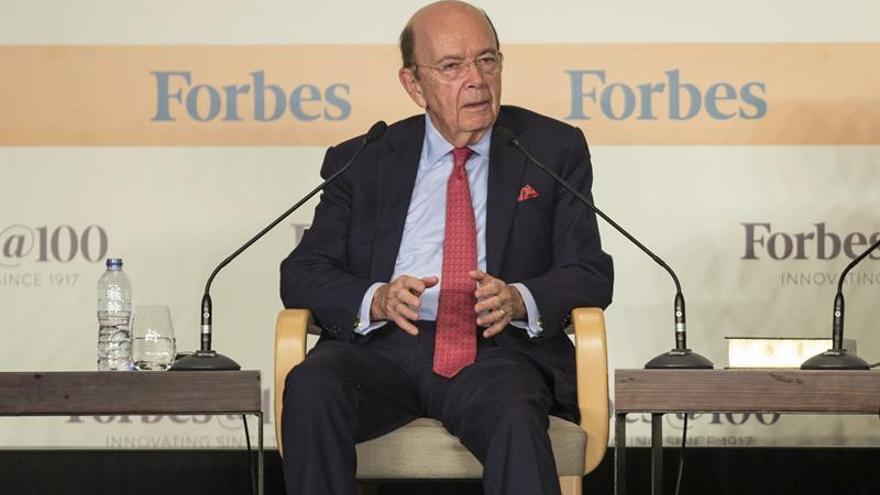 Vinculan al secretario de Comercio de EE.UU. en una inversión con Rusia y Venezuela