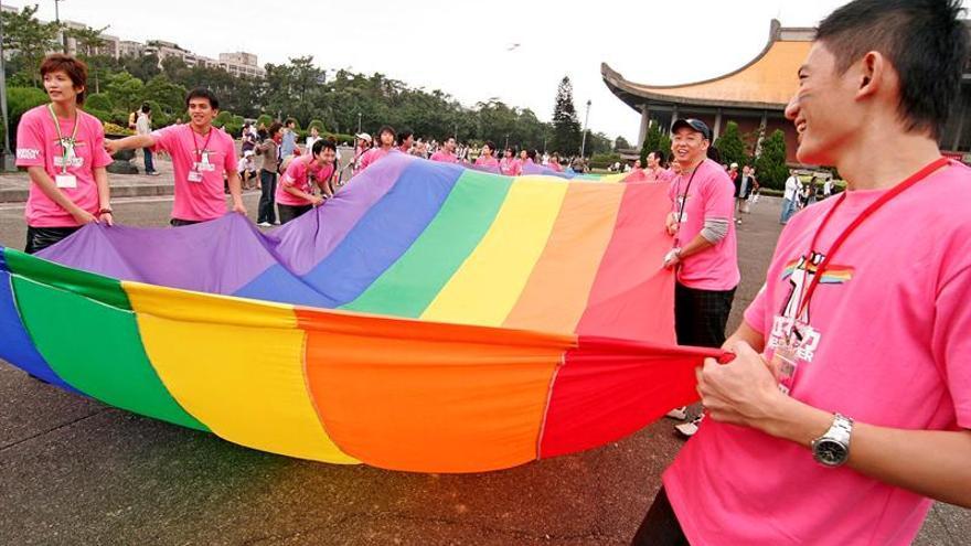 Taiwaneses se manifiestan a favor y en contra del matrimonio homosexual