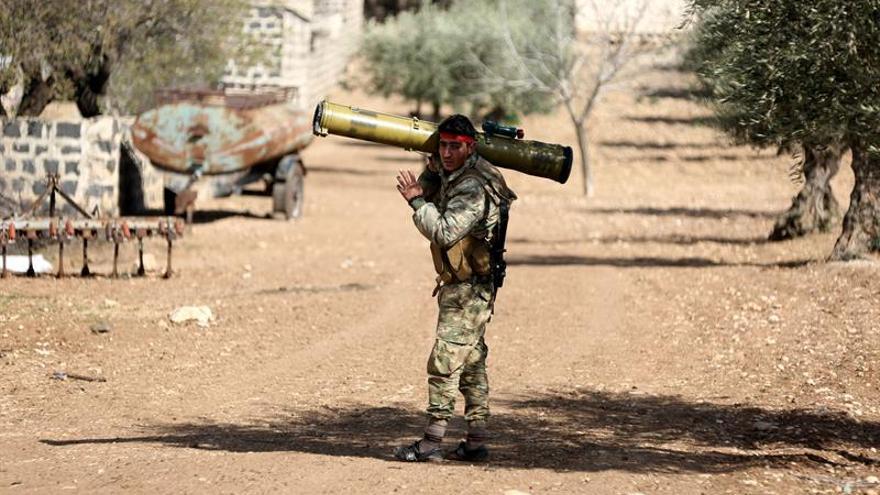 Continúan los bombardeos del régimen contra el feudo rebelde de afueras de Damasco