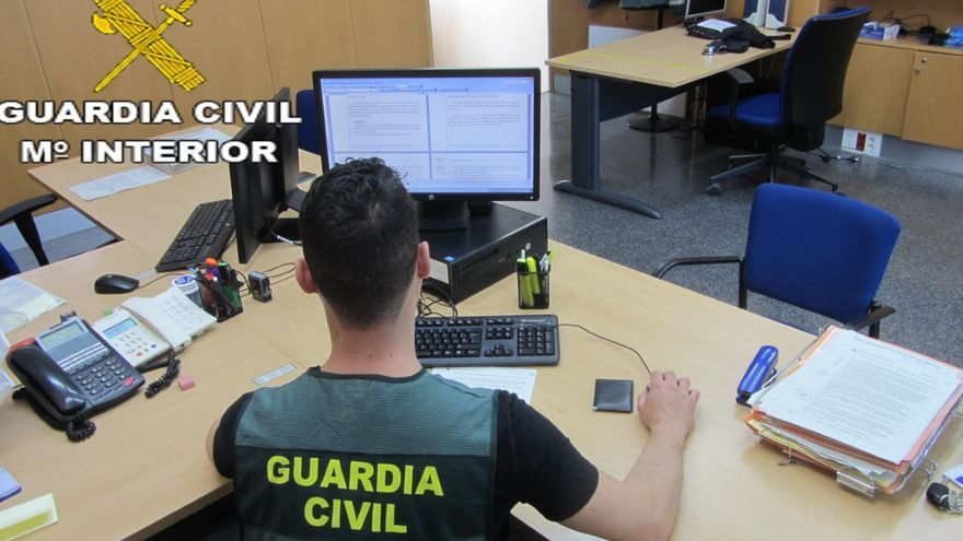 La Guardia Civil ha puesto al detenido a disposición judicial.