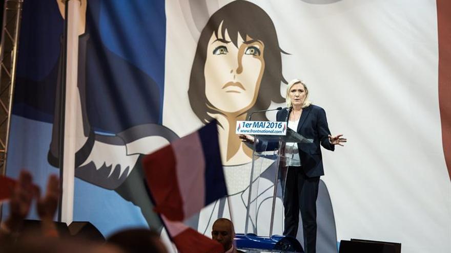 Juppé y Le Pen, los candidatos a los que más votarían los jóvenes franceses