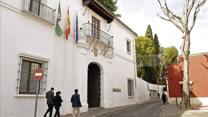 Requisan ordenador en Ayuntamiento de Tomares tras denuncia sobre contratos