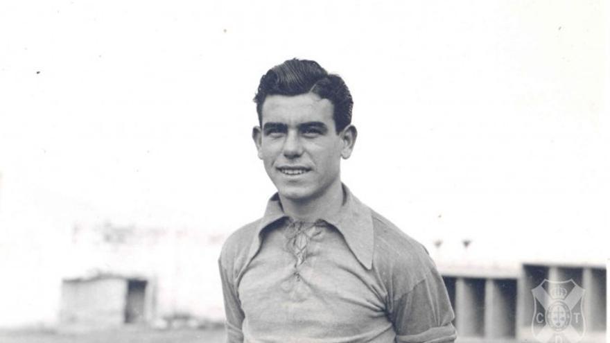 Paco Mota en su etapa como futbolista blanquiazul.