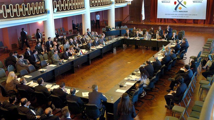 """Industriales de Argentina y Brasil ven """"inoportuno"""" bajar arancel de Mercosur"""