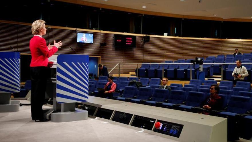 La presidenta de la Comisión Europea, Ursula von der Leyen, en una comparencia ante la prensa en Bruselas este jueves.