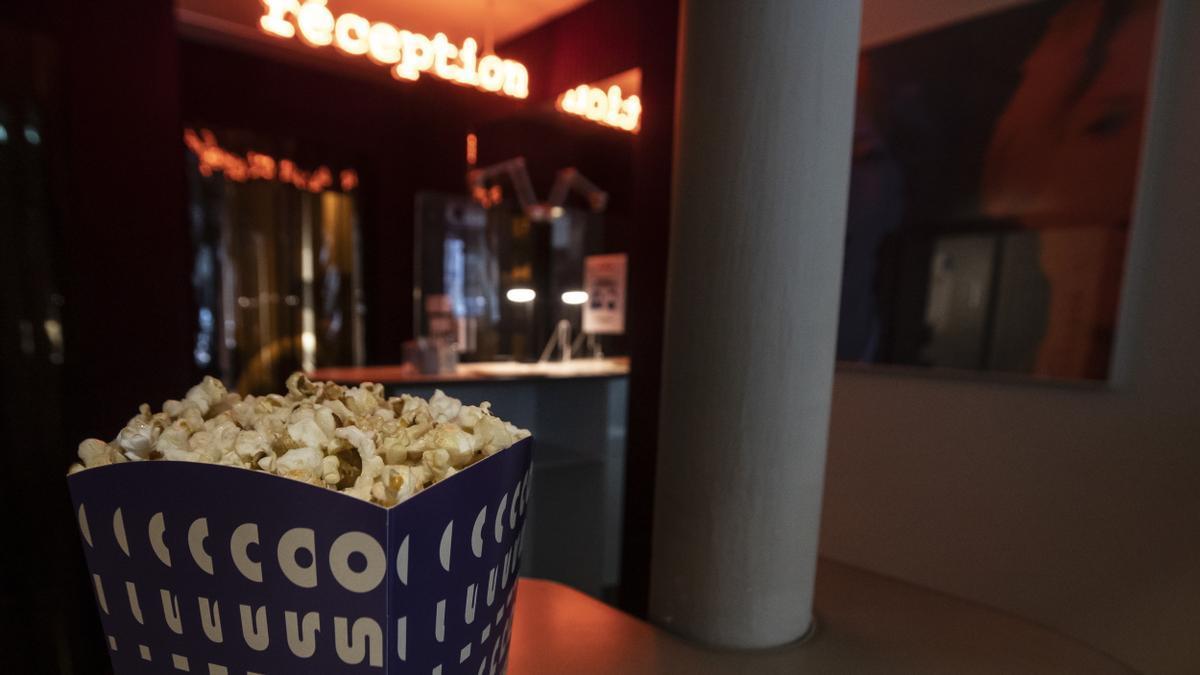 Extremadura prohíbe el consumo de bebidas y comidas en las salas de cine