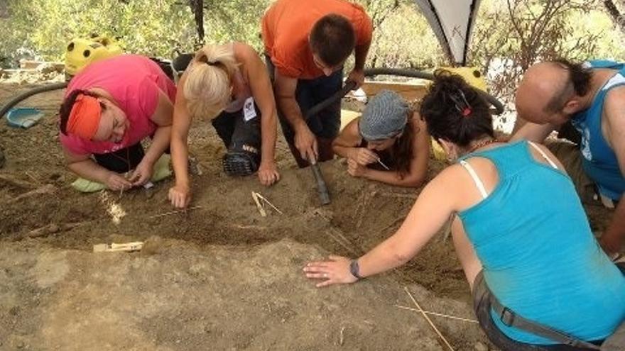 La Junta inicia la localización y exhumación de víctimas del franquismo en el cementerio de Cártama