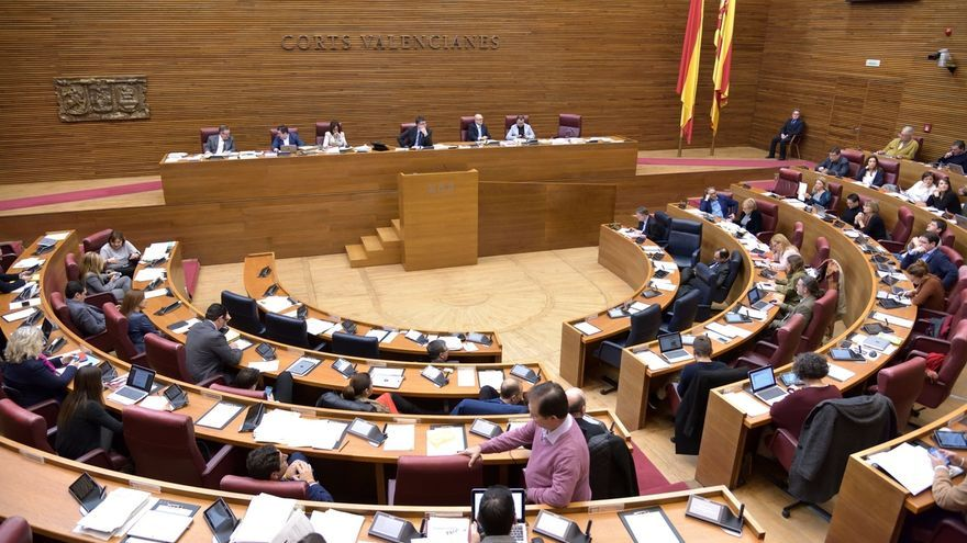 El pleno de las Corts Valencianes