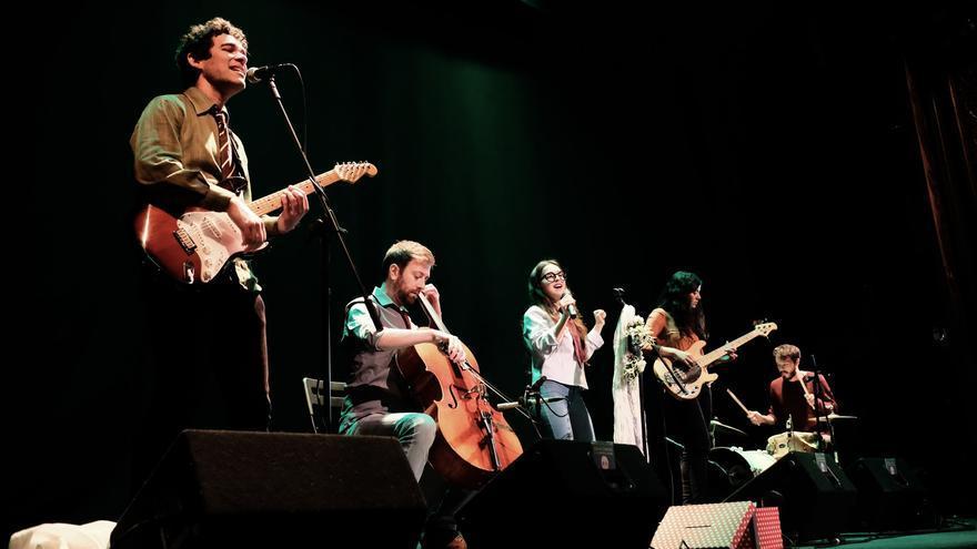 La Fantástica Banda en concierto.