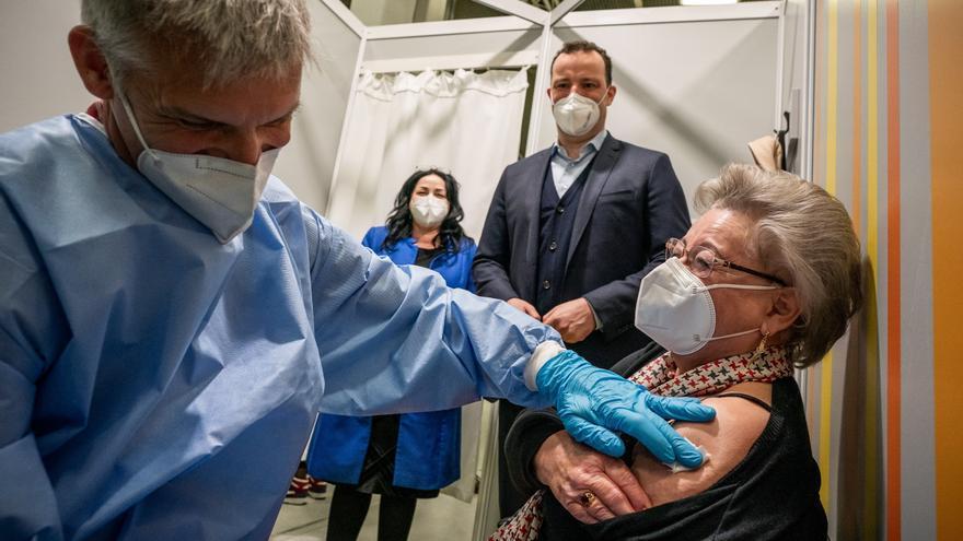 """El Gobierno alemán pide seguir vacunándose """"para llegar a otoño protegidos"""""""
