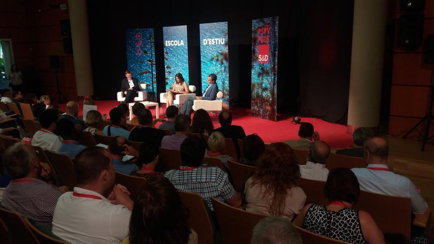 Sandra Gómez presenta los 'diálogos' entre José Luis Rodríguez Zapatero y Ximo Puig en la 'Escola d'Estiu' del PSPV