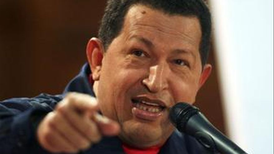 """Chávez asegura que """"iría llorando"""" a una guerra con Colombia"""