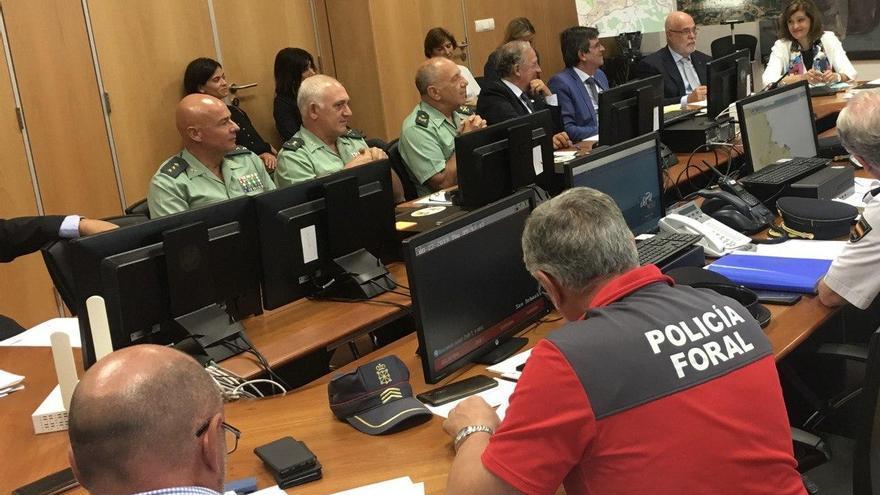 Agentes de la Policía Foral, Guardia Civil y Policía Nacional en la cumbre del G7 en Biarritz
