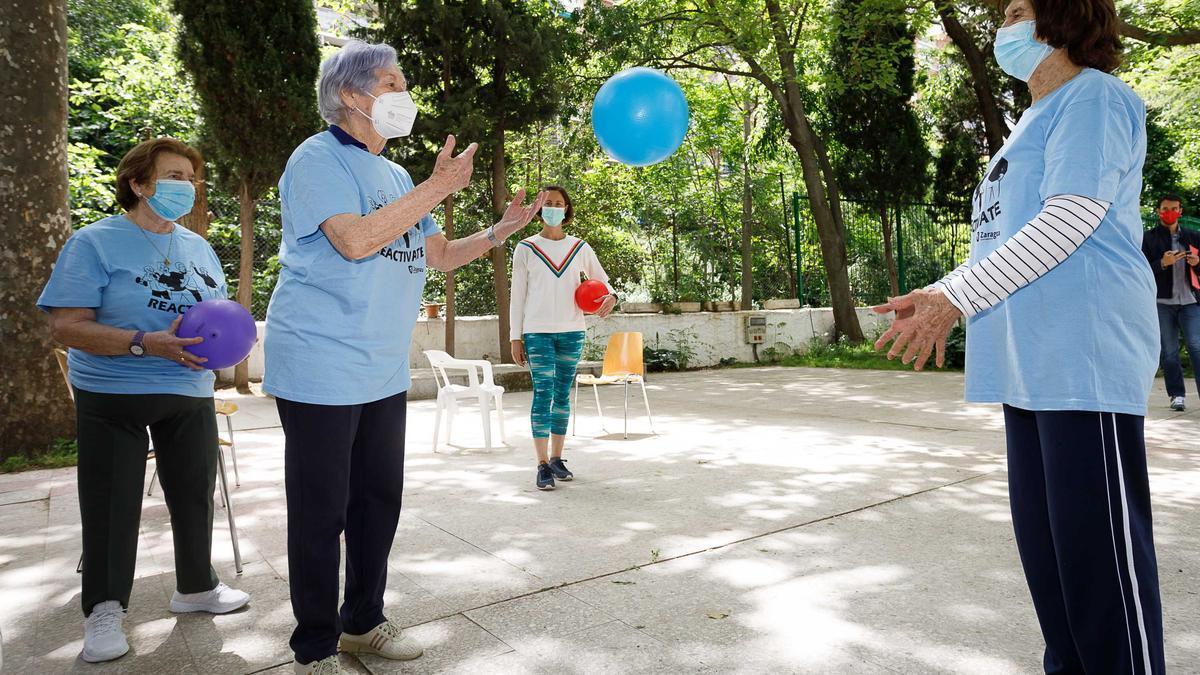 Taller de recuperación física para personas mayores