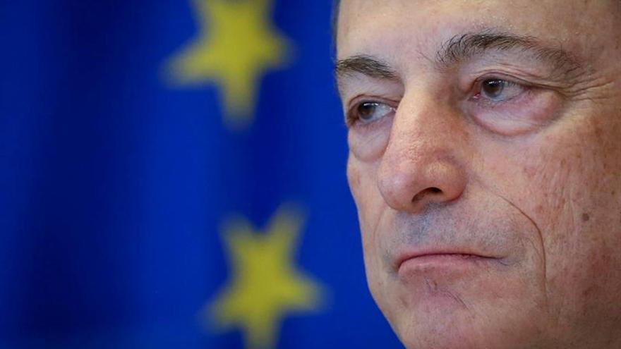 Draghi defiende su política monetaria antes de intervenir en el Bundestag