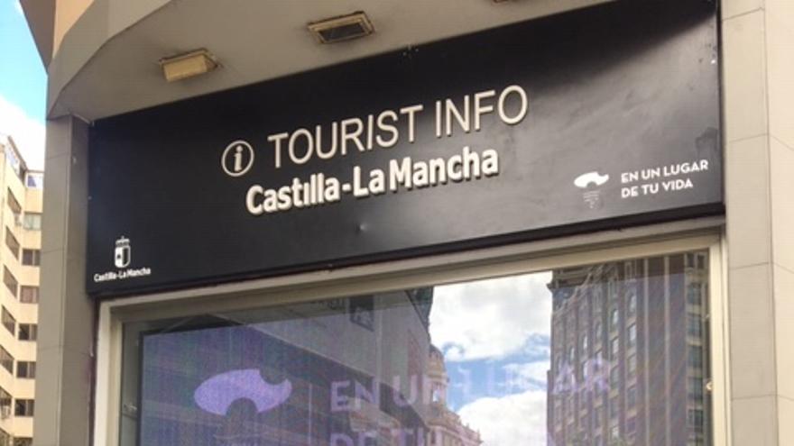 Exterior de la Oficina de Promoción de Castilla-La Mancha en Madrid FOTO: Teresa Sánchez