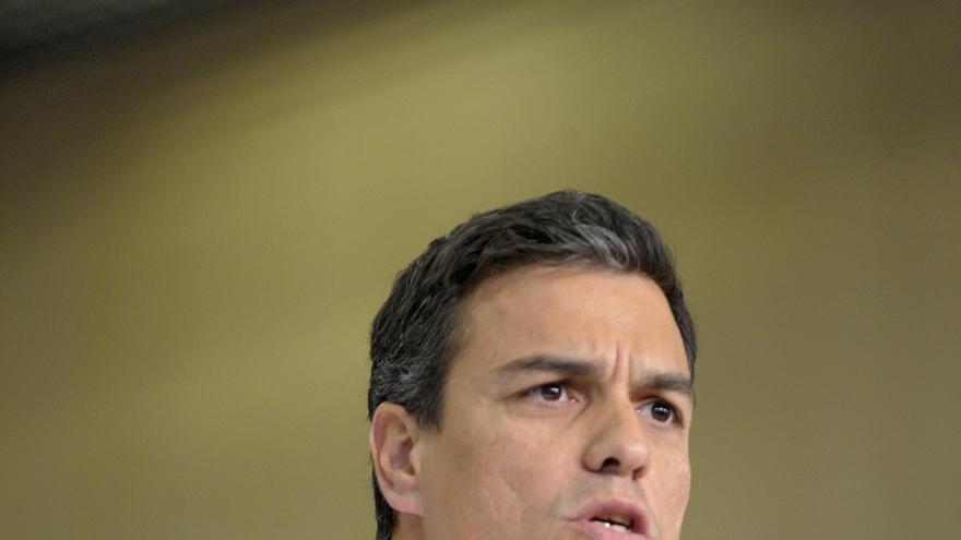 Pedro Sánchez llega a Ferraz para seguir el escrutinio con su Ejecutiva