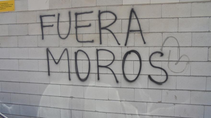 Pintada racista en Tomelloso (Ciudad Real)