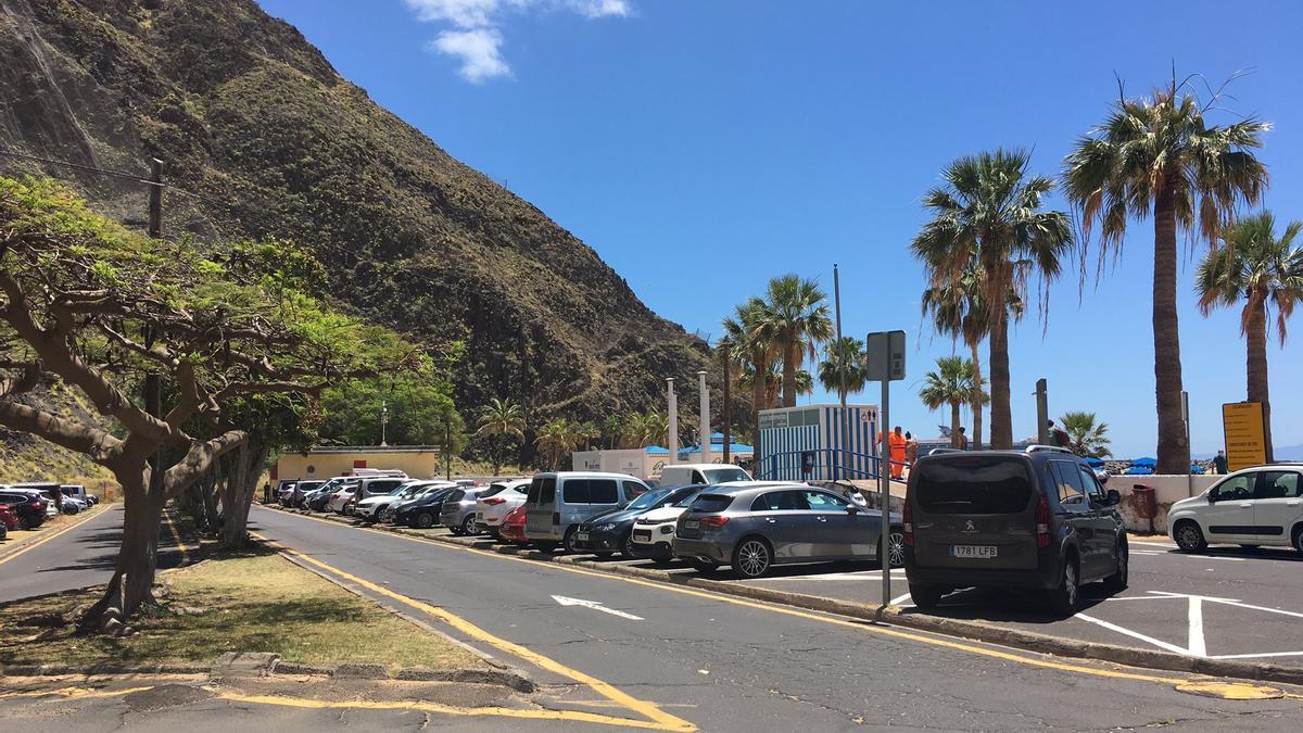 El parking de Las Teresitas hasta la bandera este domingo