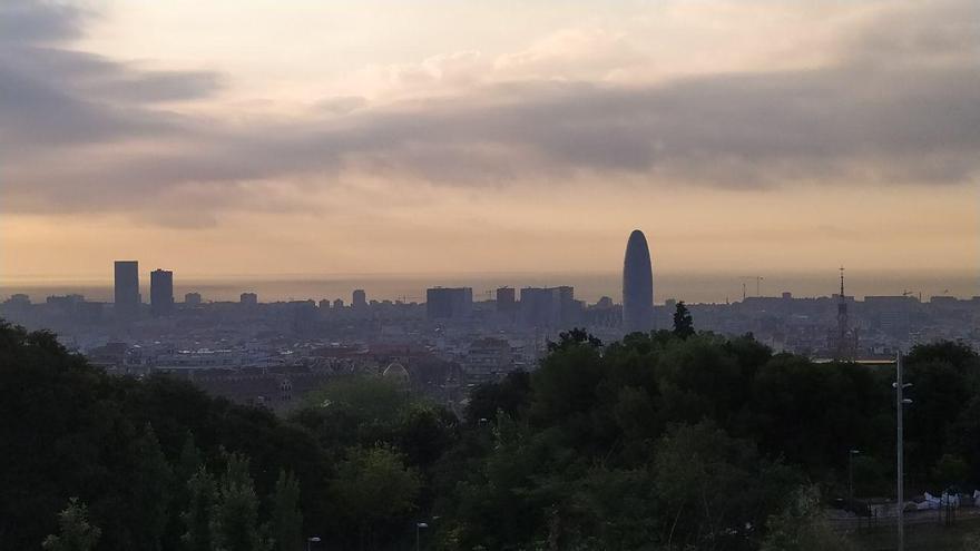 El perfil urbano de Barcelona, en una imagen del pasado viernes.