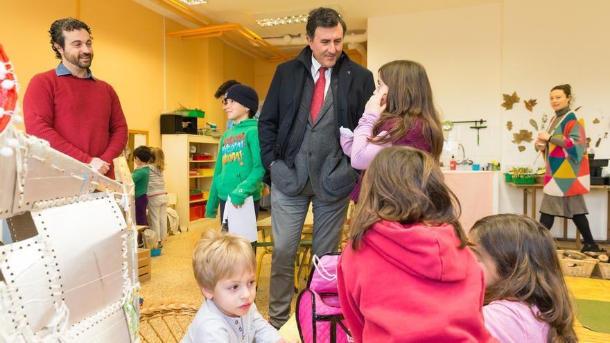 Mañanes destaca el valor del proyecto educativo innovador del colegio Vital Alsar