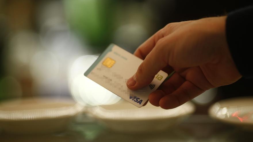 Detenido en Albacete por cargar operaciones fraudulentas por valor de 1.440 euros a una tarjeta sustraída