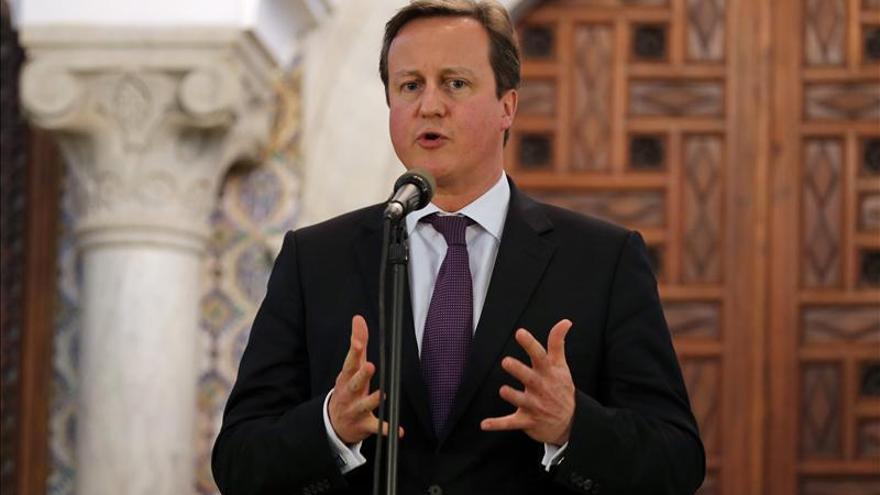 El primer ministro británico realiza una visita sorpresa a Libia