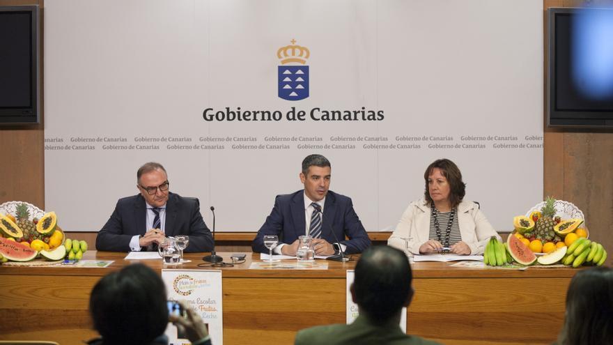 Los consejeros Baltar, Quintero y Monzón, de Sanidad, Agricultura y Educación, este jueves en Presidencia del Gobierno