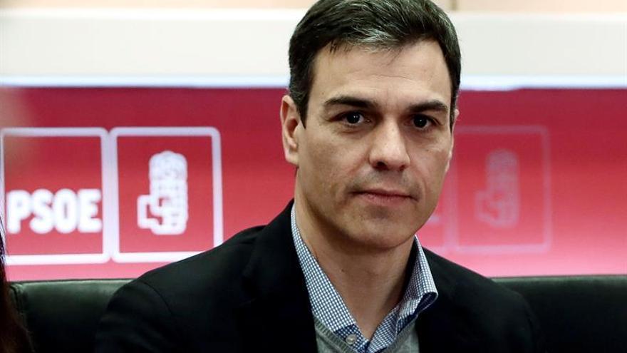 """Sánchez exige a Rajoy que """"presente los Presupuestos ya o convoque a urnas"""""""
