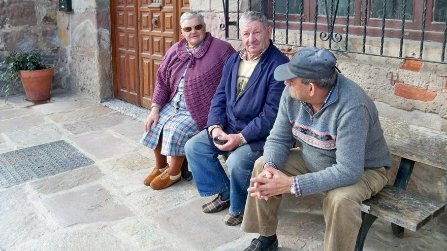 Cantabria, cuarta ccaa con mayor brecha de género en las pensiones de jubilación, un 38,6%, según UGT