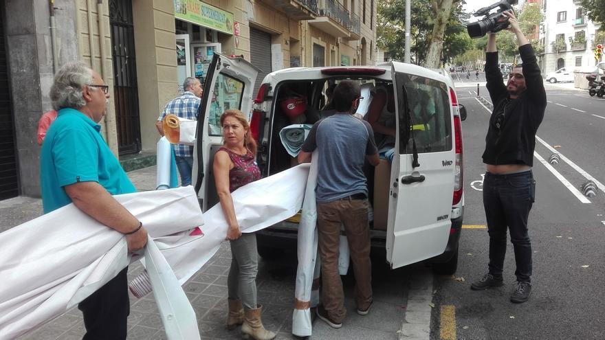 Miembros de la ANC sacan material de la sede ante un posible registro policial