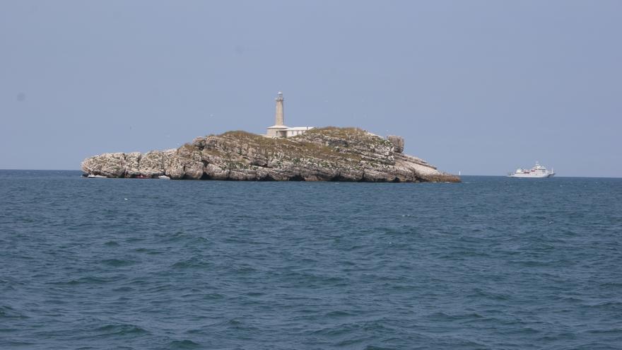 La travesía a nado y un abrazo a la Isla de Mouro, este domingo por el Día de los Océanos