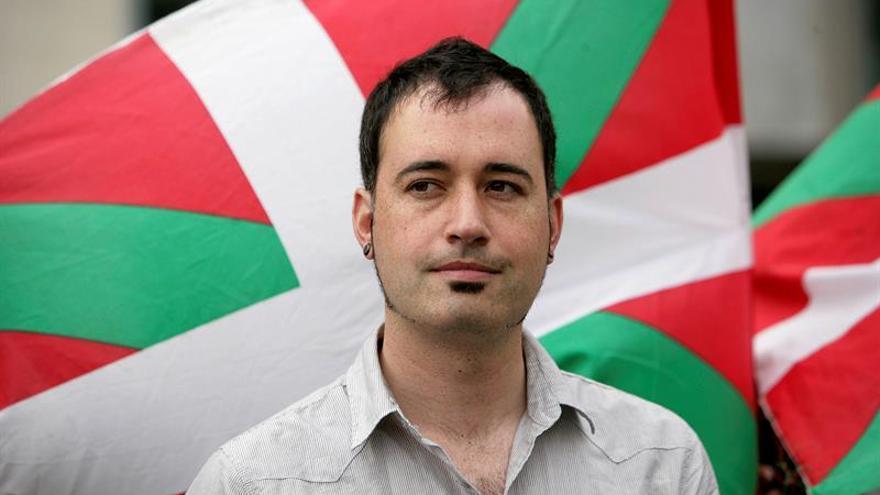 Dos miembros de Jarrai huidos regresan a España para ser juzgados el martes