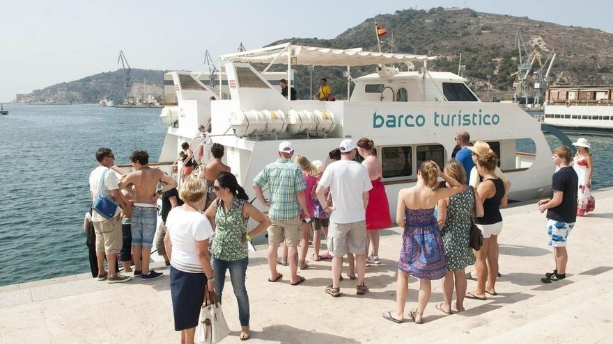 El INE confirma que el IPC bajó hasta el 1,9% en mayo por los paquetes turísticos y las gasolinas