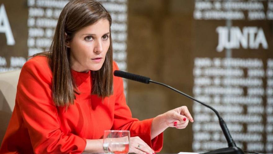 La portavoz de la Junta, Isabel Gil Rosiña, en rueda de prensa