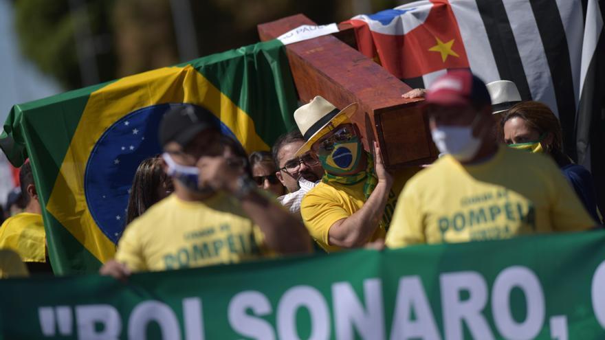 Evangélicos y simpatizantes marchan en Brasilia en respaldo a Bolsonaro