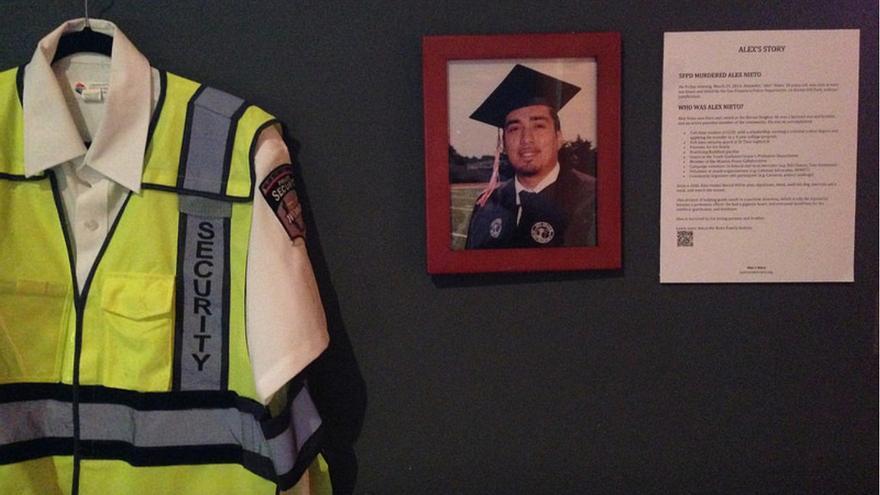 El uniforme de empleado de seguridad de Nieto, razón por la que portaba una pistola táser. Foto: Justice4AlexNieto