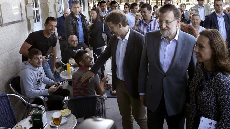 Rajoy sugiere una bajada del IVA y augura una gran victoria para el PP el 24M
